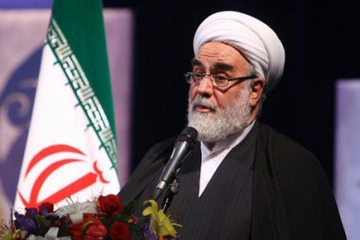 علمای استان خوزستان، امام جمعه جدید را یاری کنند