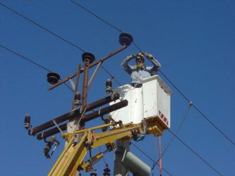 احداث حدود ۴ هزار متر شبکه برق در شهرستان اهواز