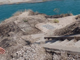 اجرای طرح عمرانی در قبرستان تاریخی دزفول حاشیه ساز شد