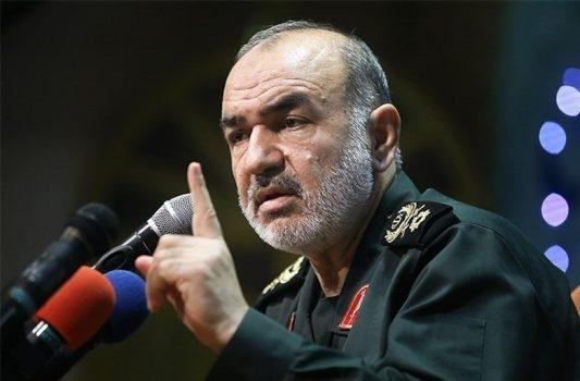 هر دشمنی به مرزهای ایران تعرض کند، نابود خواهد شد
