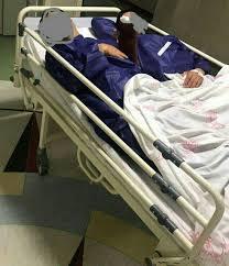 دو بیمار بر روی یک تخت
