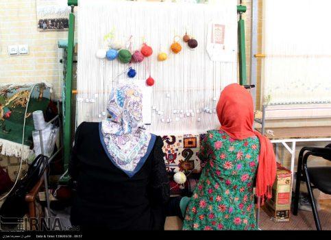 افتتاح طرح بزرگ قالی بافی و کلنگ زنی سردخانه ۲هزار تنی در اندیمشک