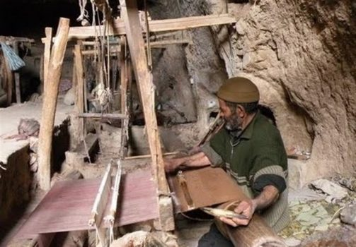 تلاش برای احیاء صنعت عبابافی در بهبهان
